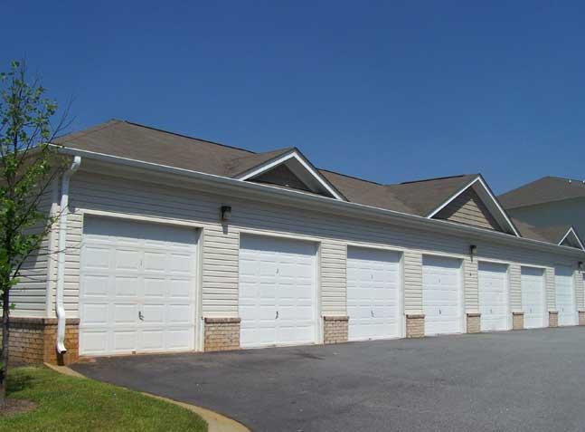 Piedmont Plantation Garages